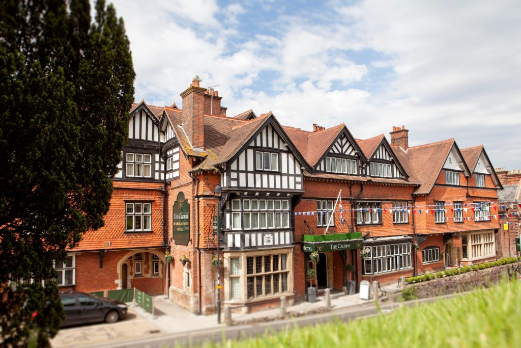 Crown Manor House Hotel