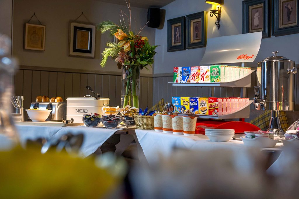 Breakfast at Innkeepers Lodge